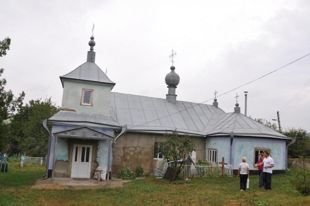 Biserica din Mana a fost depozit de cereale în timpul sovietelor